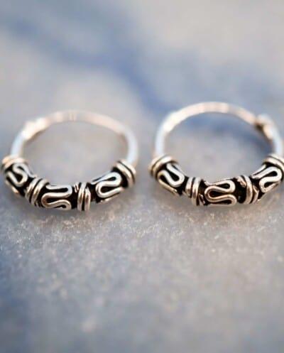 'Bali Stripes and Snakes' Sterling zilveren oorbellen 12 mm