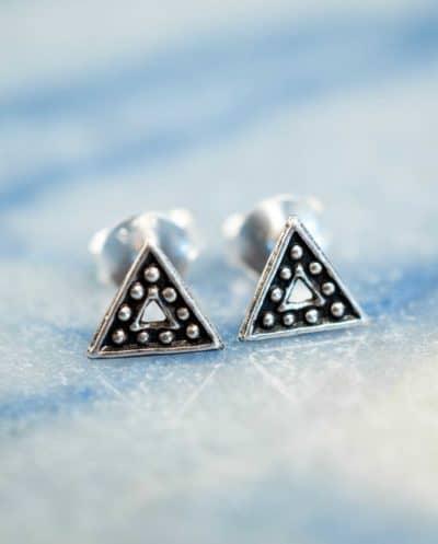 Zilveren 'Oxidized Triangle' oorbellen