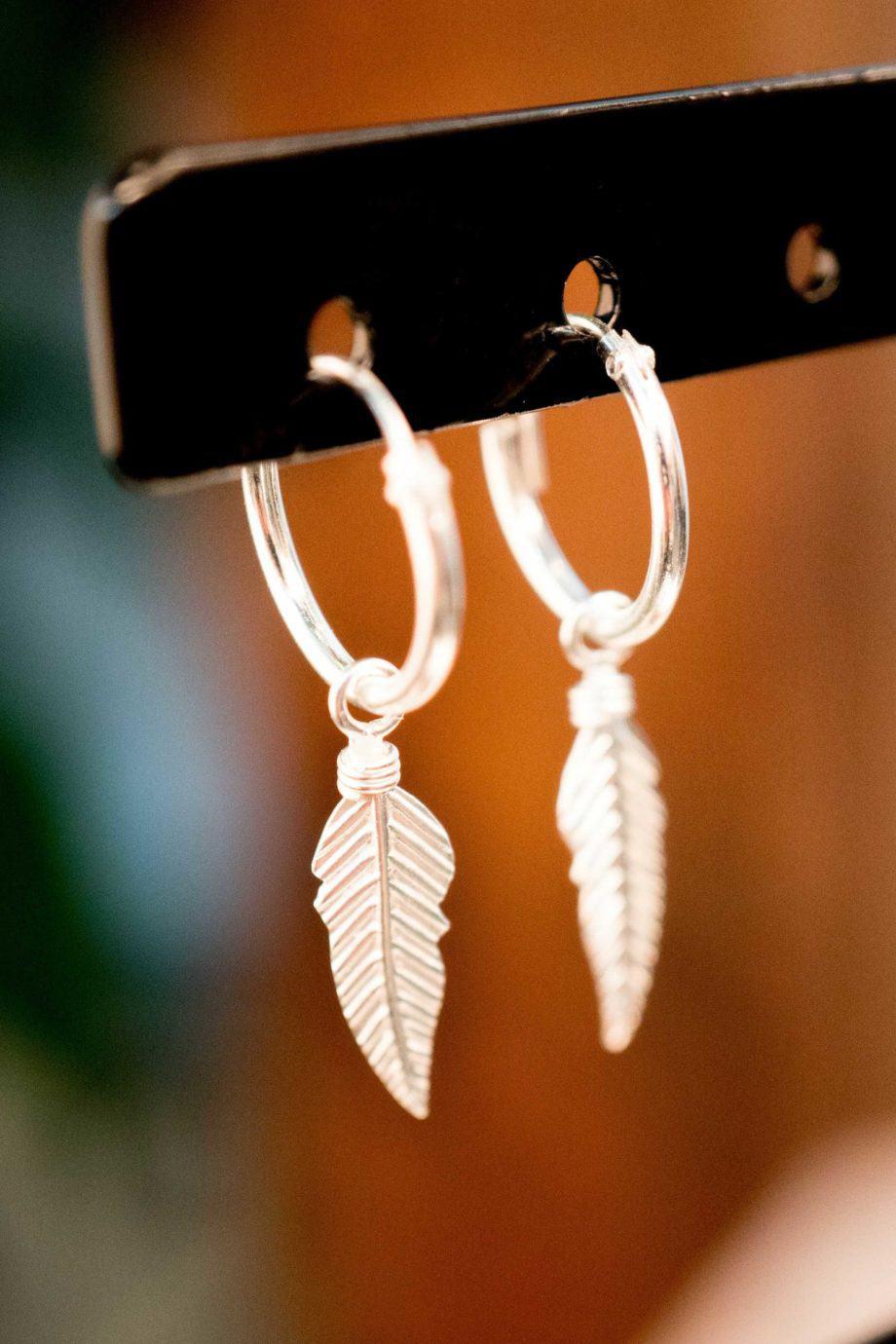 Sterling Zilveren 'Feather Hoops' oorbellen