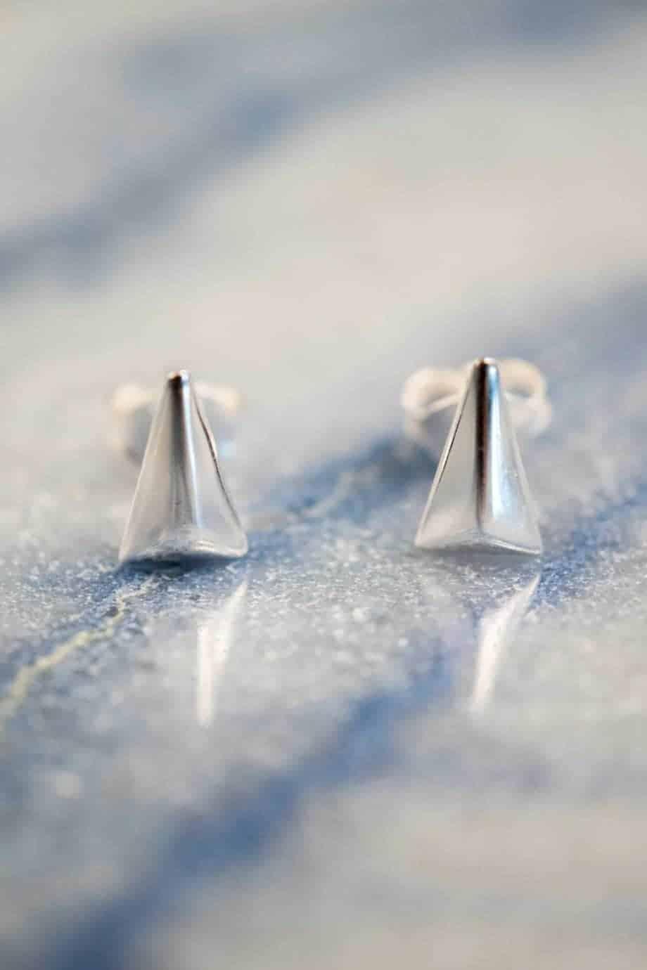 Zilveren 'Triangle' oorbellen