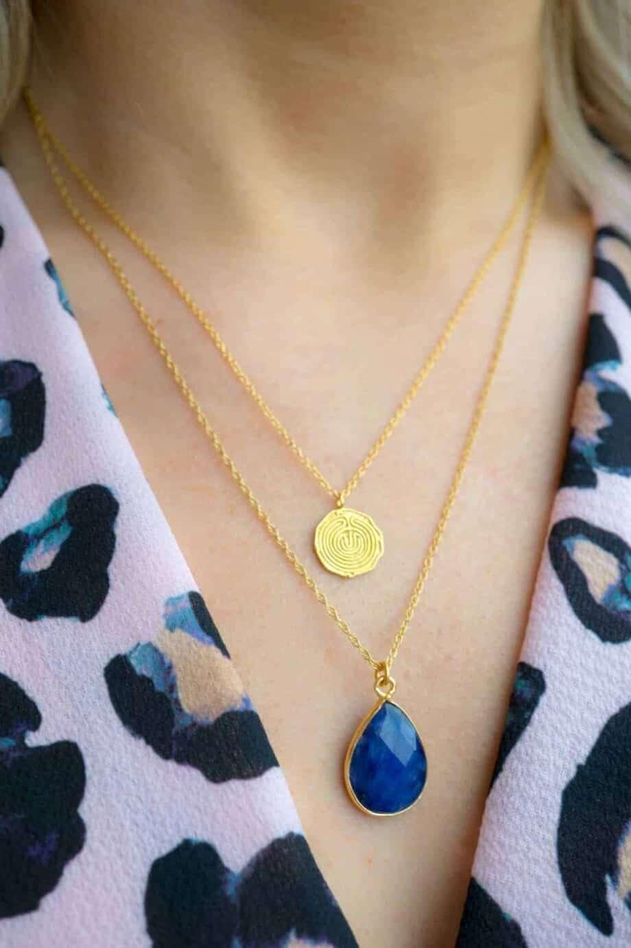 Handgemaakte Gouden Ketting met blauwe edelsteen hanger 'Blauwe saffier' van Goud op Zilver