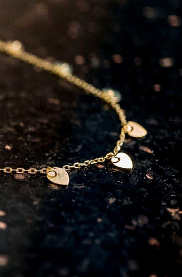 Gouden ketting met hartjes-goud-op-zilver