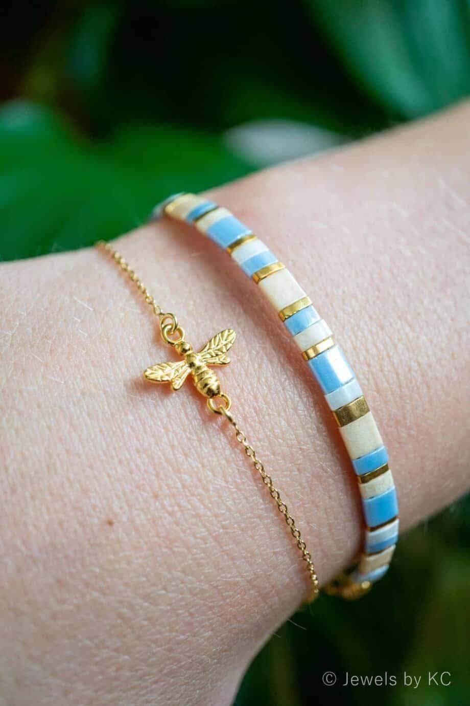 Goud Vermeil armband Buzzing Bee en Miyuki Pastel Blue