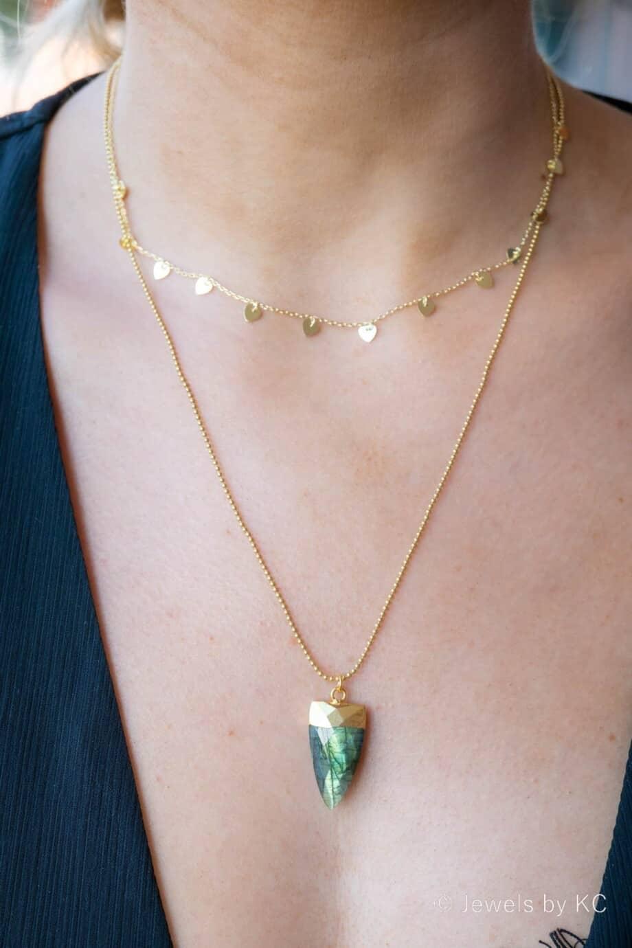 Gouden ketting met edelsteen blauw-groene Labradoriet van Goud op Zilver