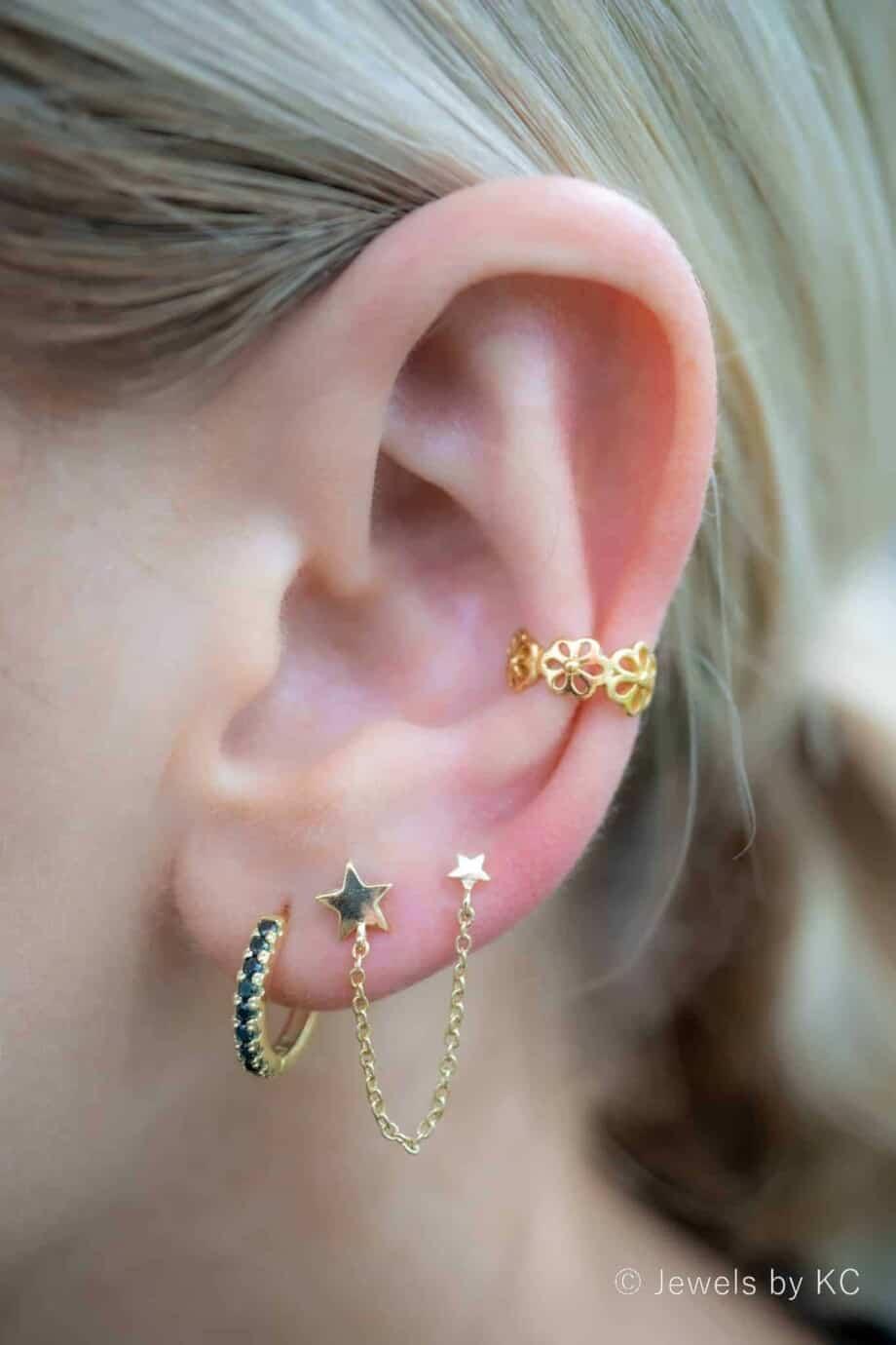Gouden ear cuff 'Daisy flower' bloemetjes van Goud op Zilver