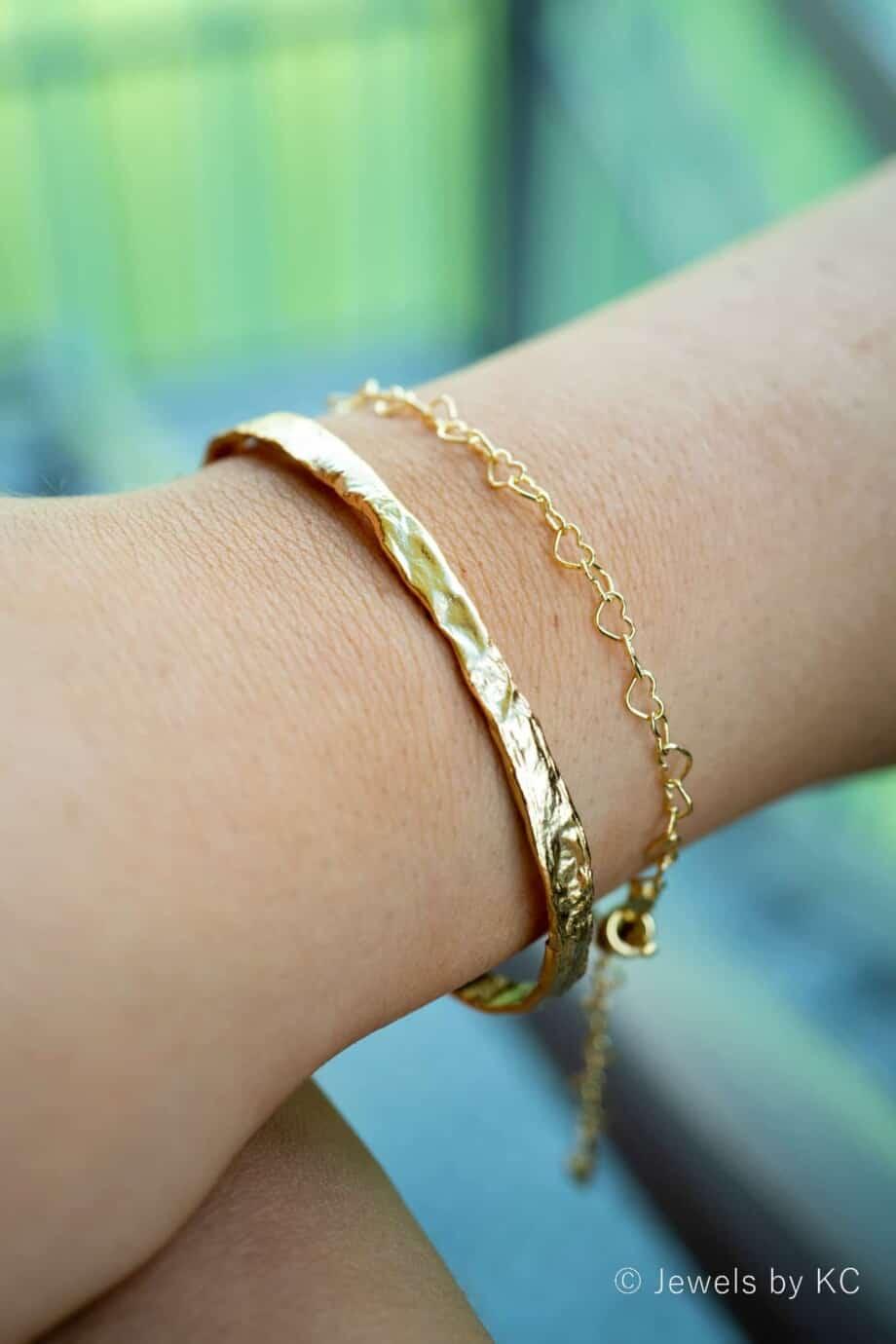 Gouden armband 'Vintage Cuff Bangle' van Goud op Zilver