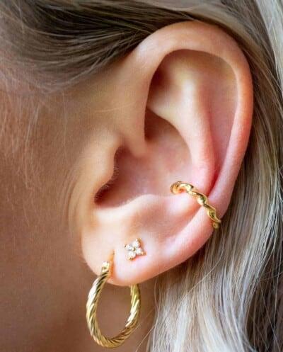 Gouden ear cuff 'Twisted' van Goud op Zilver