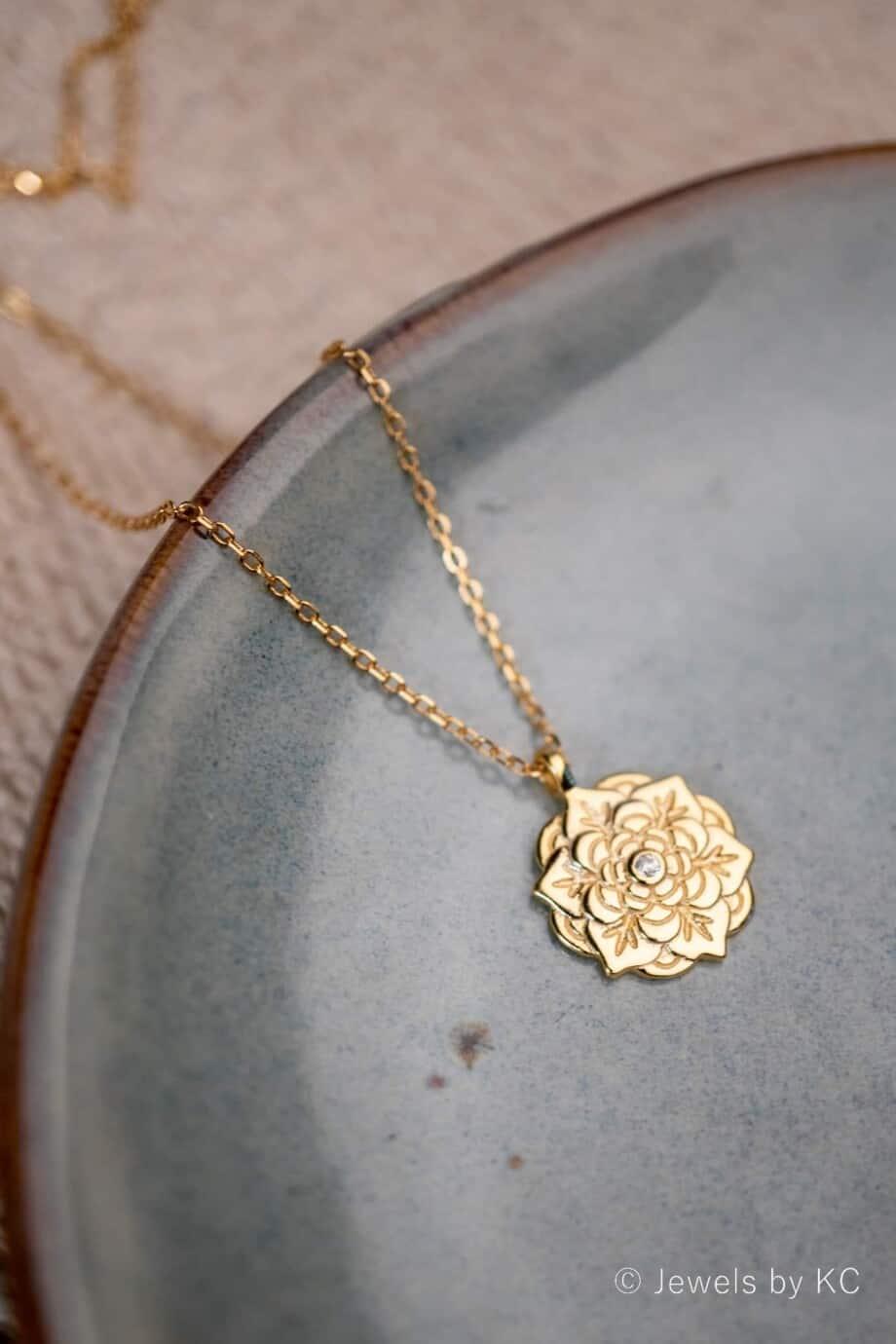 Gouden ketting met hanger 'Flower' 'Bloem' van Goud op Zilver