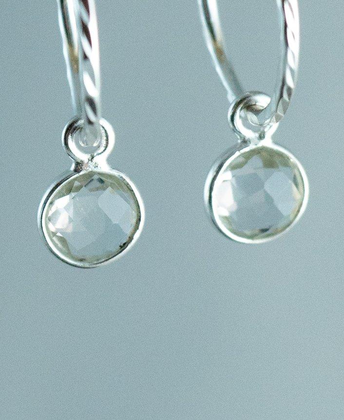 Zilveren edelsteen Oorbellen Kristal Kwarts van Sterling Zilver. Handgemaakte edelsteen sieraden van Jewels by KC.