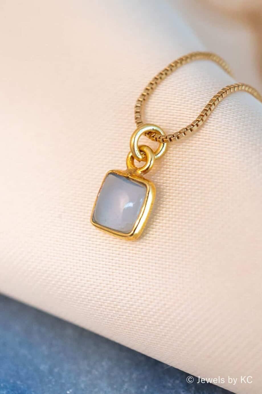 Gouden blauwe Chalcedoon edelsteen ketting Square hanger van Goud op Zilver