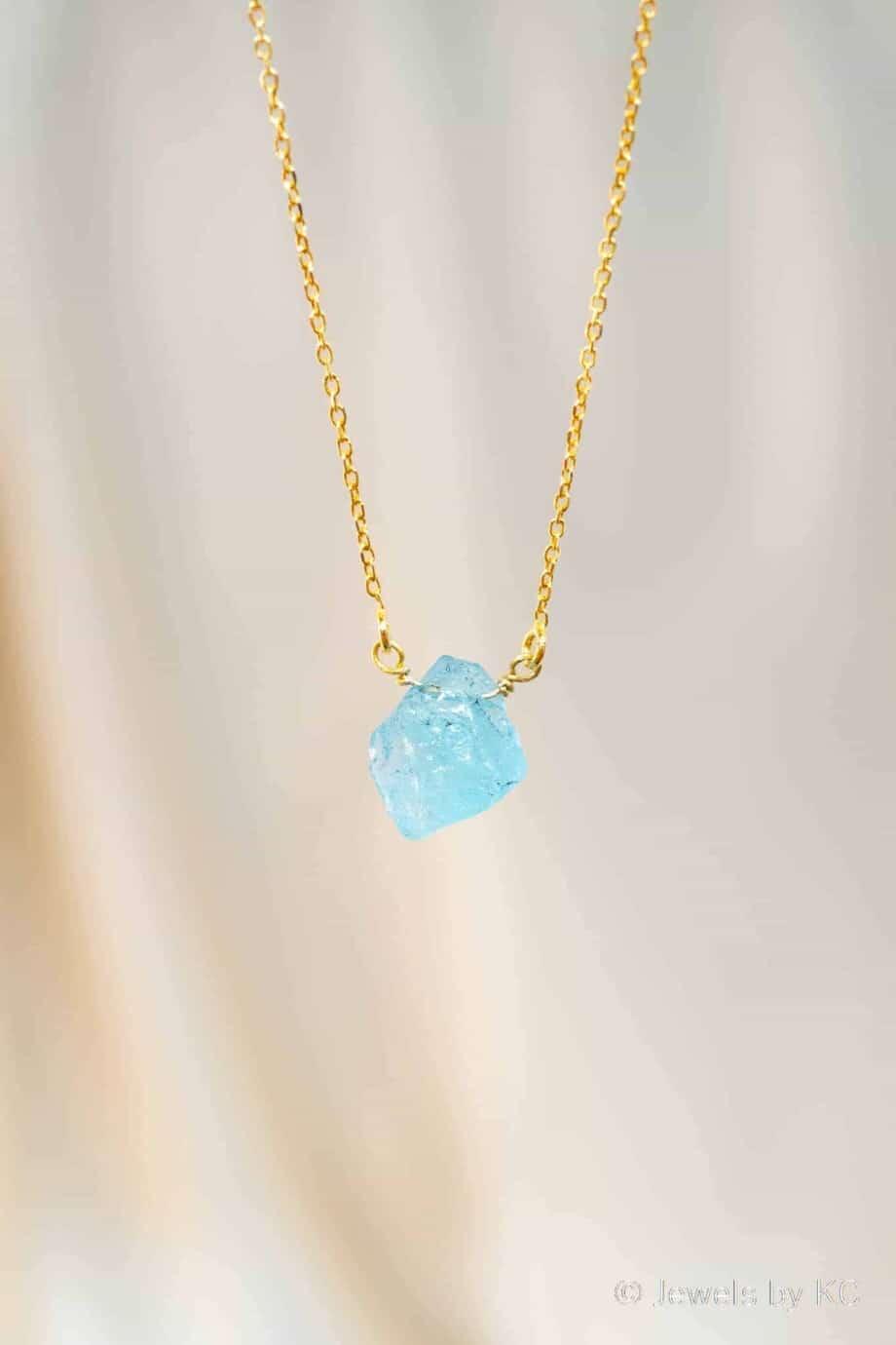 Gouden ketting met blauwe Aquamarijn edelsteen van Goud op Zilver