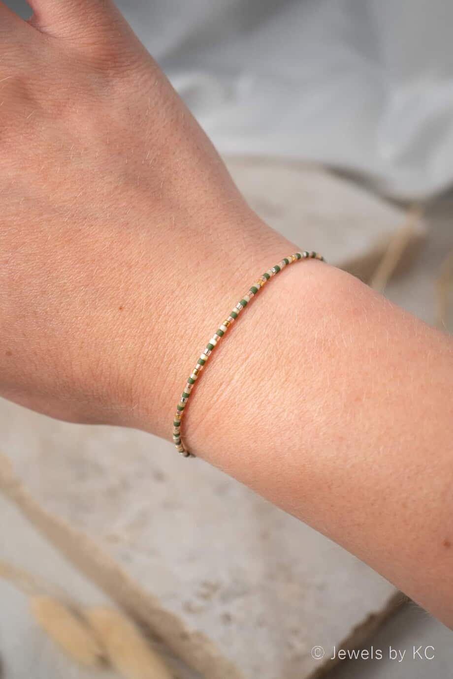 Handgemaakt Miyuki armbandje 'Pastel green & gold' kralen armbandje