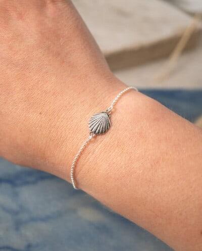 Zilveren armband met schelpje schelp bedel van Sterling Zilver