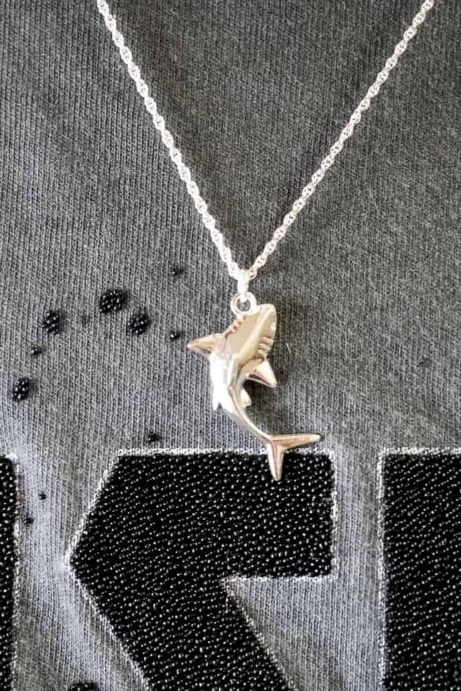 Zilveren-Shark-ketting-met-haai-van-Sterling-Zilver