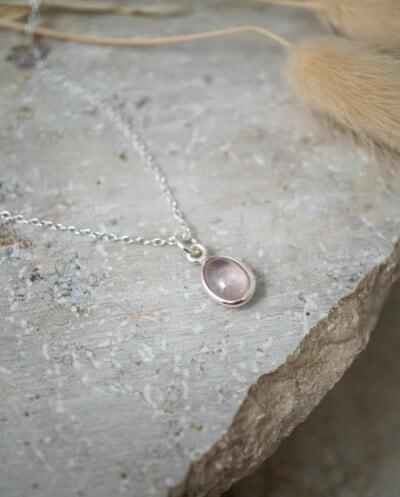 Zilveren edelsteen ketting met Rozenkwarts edelsteen roze hanger