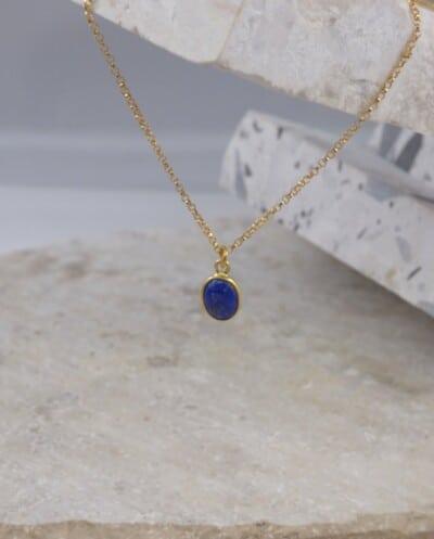 Gouden Goldfilled ketting met ovale blauwe lapis azuli edelsteen van Goud op Zilver