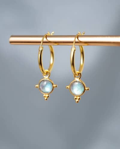Gouden blauwe Labradoriet edelsteen oorbellen van Goud op Zilver