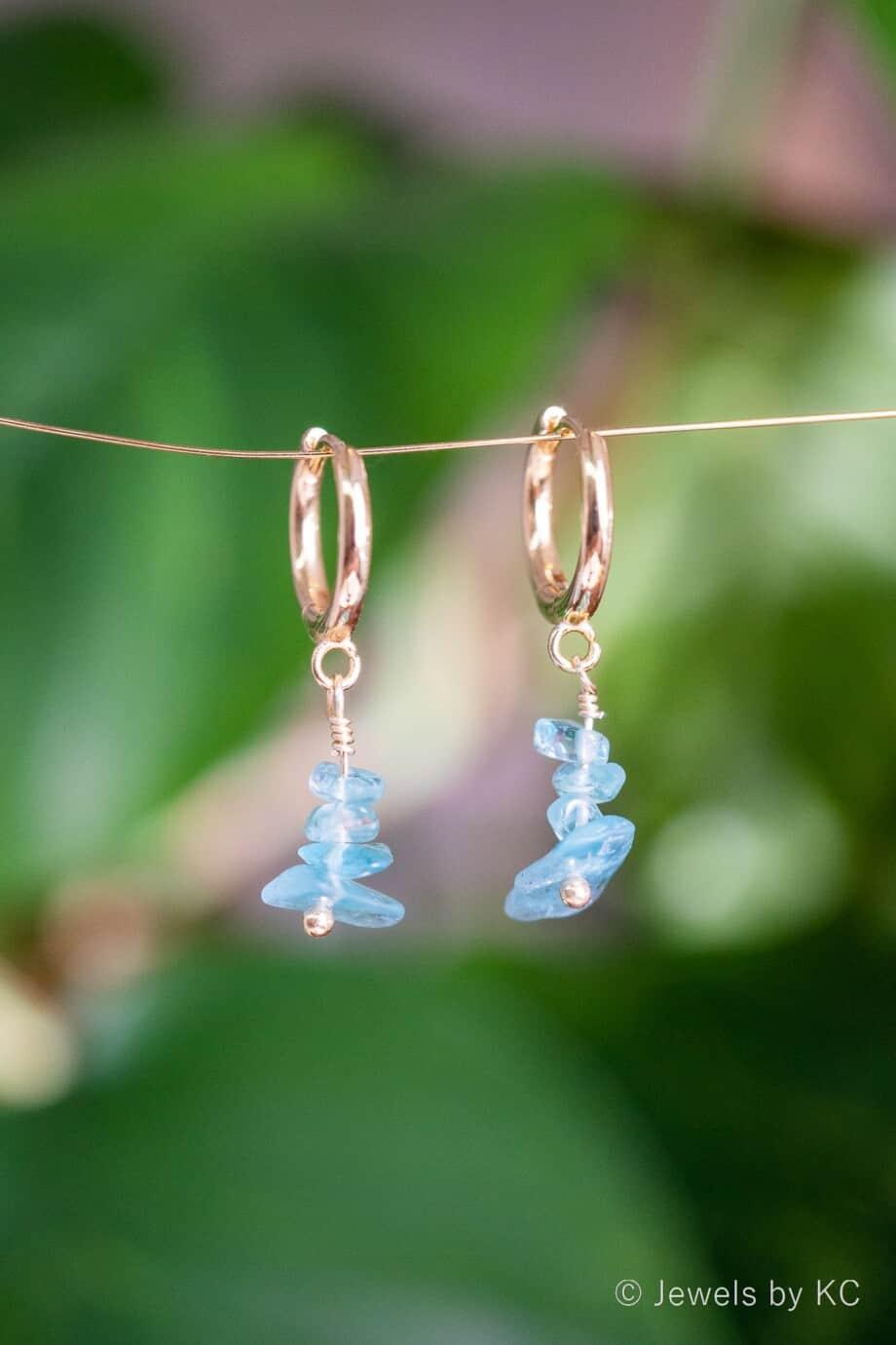 Gouden oorringen met blauwe Apatiet edelsteen oorbellen Goud op Zilver