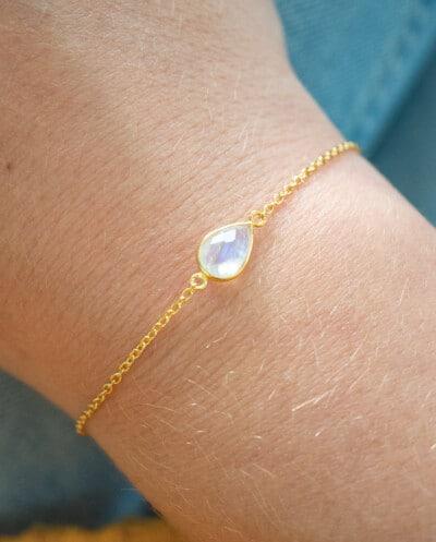 Gouden-Maansteen-edelsteen-armband-Rainbow-moonstone-van-Goud-op-Zilver